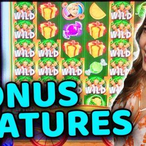 6 BONUS FEATURES w/ MAX BET on Willy Wonka Slot Machine in VEGAS!