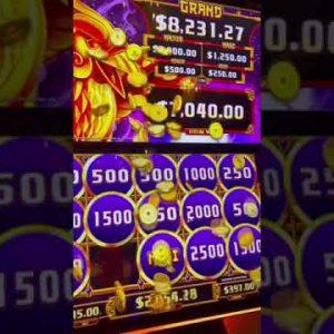 Huge Slot Machine Jackpot Bonus Win!