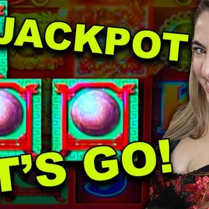 When you FINALLY land the BOUNS GAME & this happens! #JACKPOT